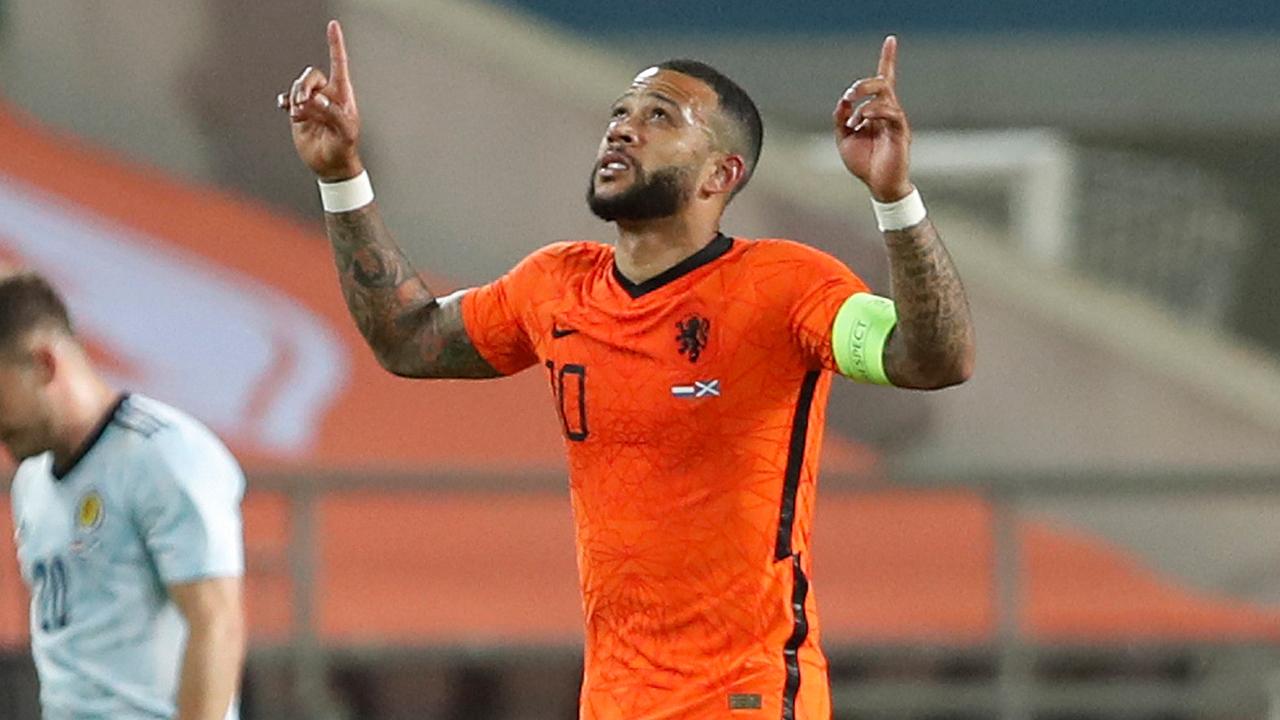 Barcelona sign Dutch forward Memphis Depay in free transfer