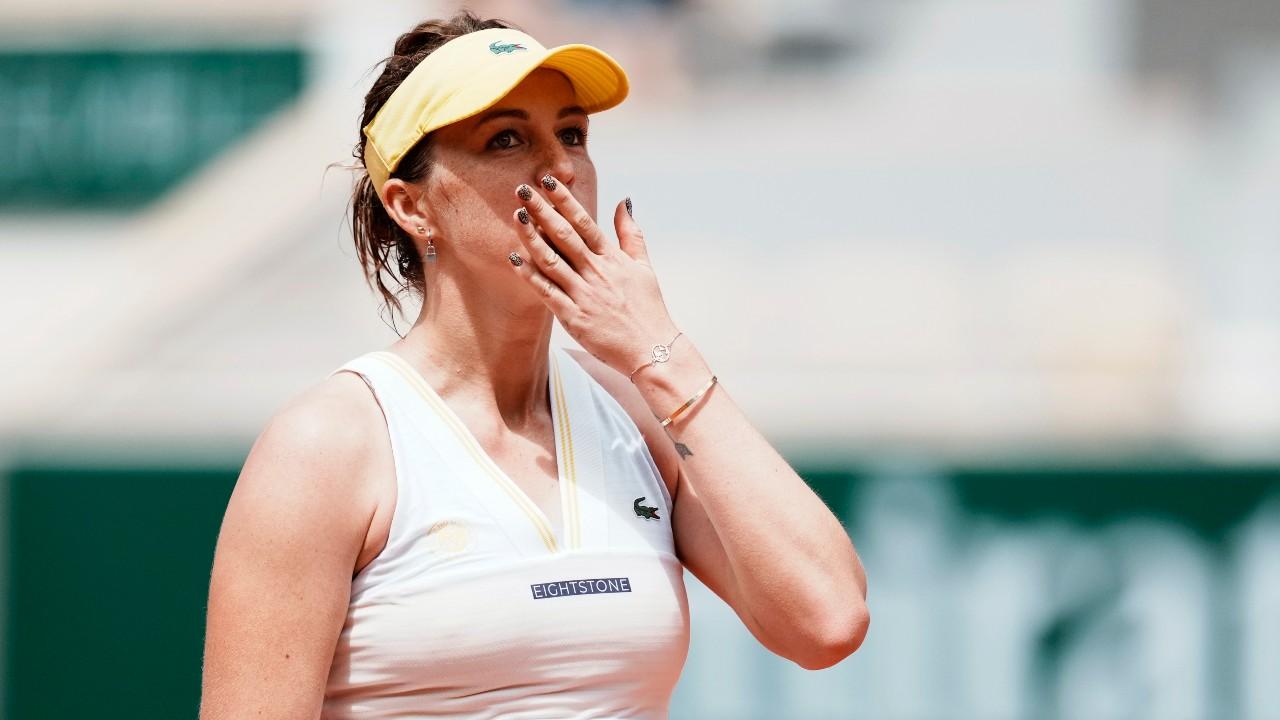 Pavlyuchenkova returns to French Open quarter-finals after 10 years