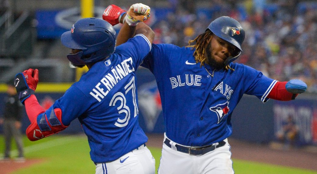 Guerrero Jr. reaches a new level as the Blue Jays get approval to go home