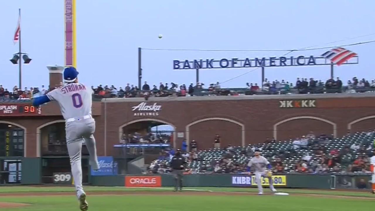 Stroman de los Mets lee un toque para hacer una gran jugada a la primera base