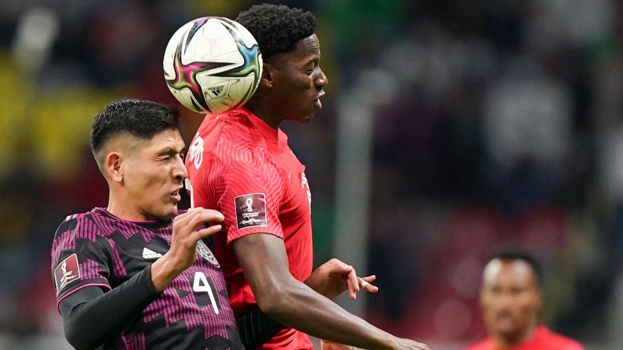 Más cánticos homofóbicos de los aficionados al fútbol de México retrasan el partido contra Canadá